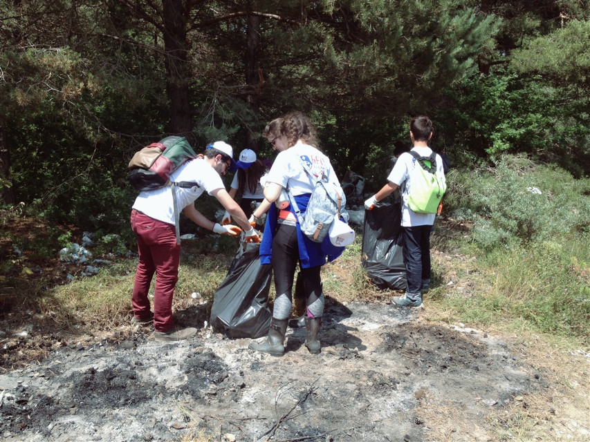 AGBU Glandale Pasadena Scout cleaning the Sevan National Park